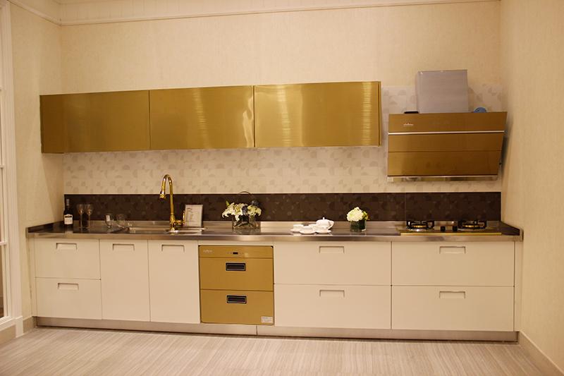 复合木橱柜台面使用范围下游,根据的整体柜体来配合复合木台面和表面